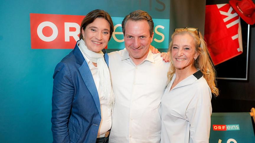 """Walking on Sunshine"": ORF-eins-Channelmanagerin Mag. Elisabeth Totzauer, Robert Palfrader, ORF-Programmdirektorin Mag. Kathrin Zechner"